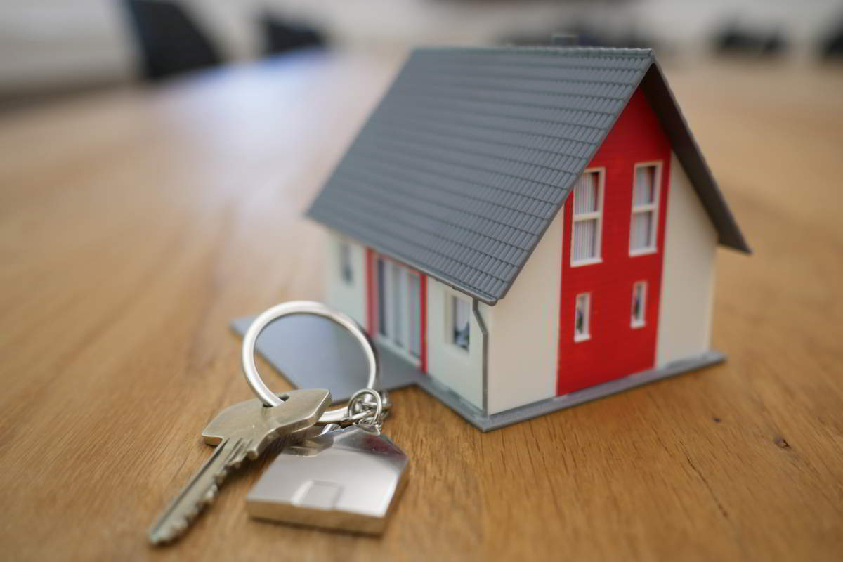 Sprzedaż nieruchomości. Jak zrobić to bezpiecznie?